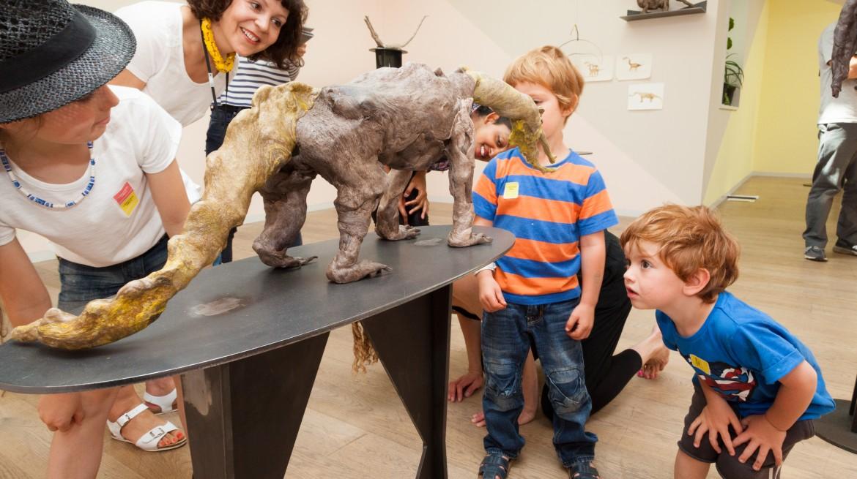 Francis Upritchard with kids 2
