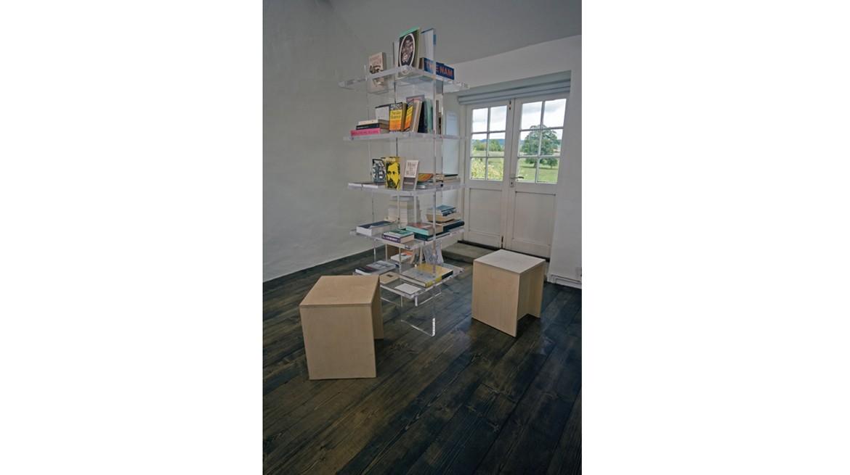 invisible-bookshelf,-1170-x