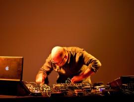 Hassan Khan Live at Portikus, Frankfurt, 2015, Photo by Helena Schlichti…