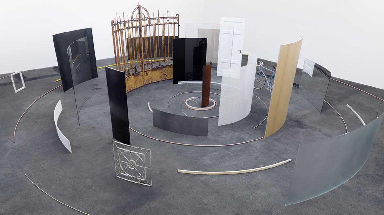 Alicja Kwade, Die Gesamtheit aller Orte, 2012, Courtesy: The artist & König Galerie Photo: Roman März