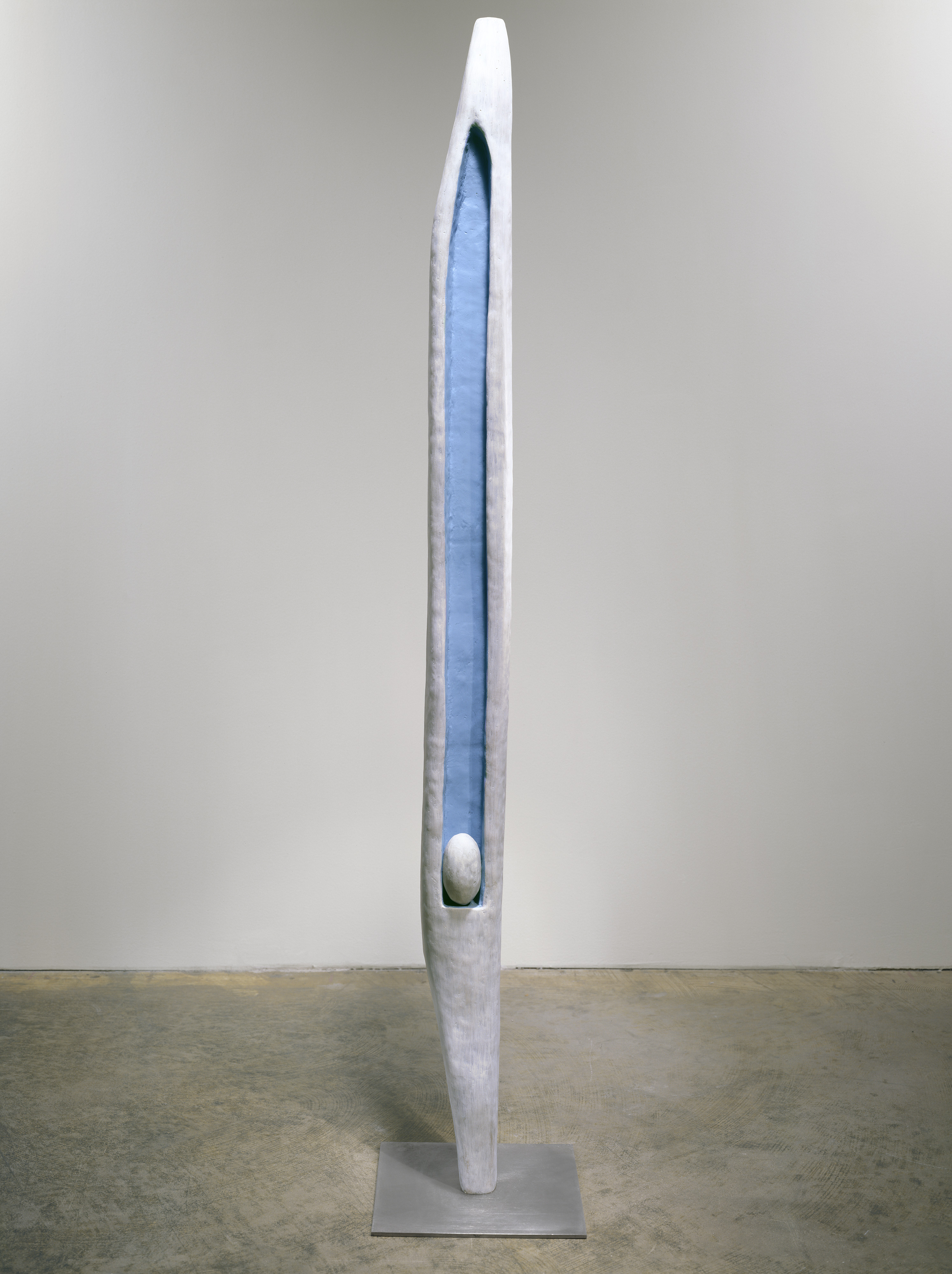 Louise Bourgeois, Untitled, 1947-49, Bronze painted white and blue, stainless steel 173.4 x 30.5 x 30.5 cm ©The Easton Foundation/VAGA, New York/ DACS, London 2017