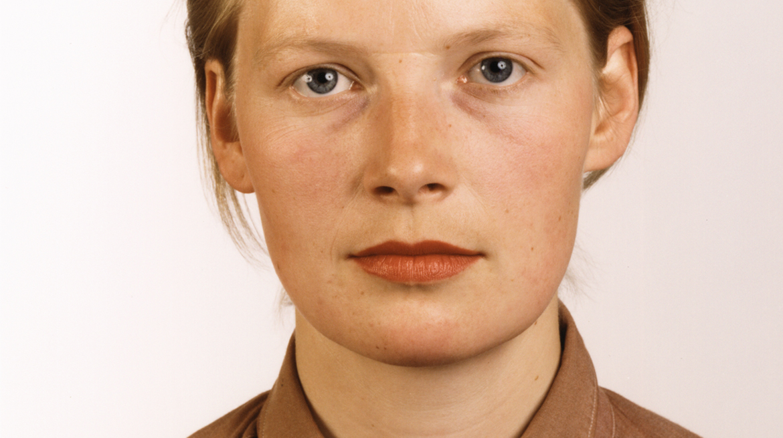 Porträt (P Stadtbäumer) 1988 [detail] C-print 210 × 165 cm © Thomas Ruff  Courtesy David Zwirner London/New York