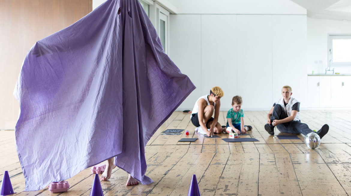 Whitechapel Gallery Live Art for Children and Families Jessie McLaughlin Low Res-24